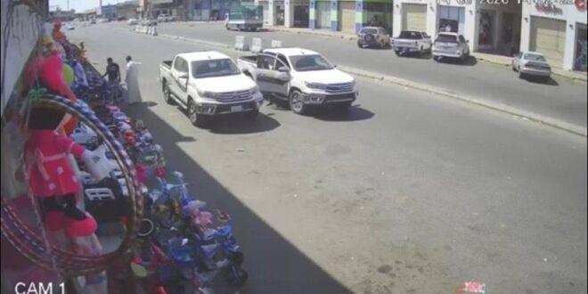 d52a01ff e2a6 4115 ab46 ea2ae13bdc9f 660x330 - شاهد فيديو لسرقة سيارة بوضع التشغيل في جدة وصاحبها آخر من يعلم !!
