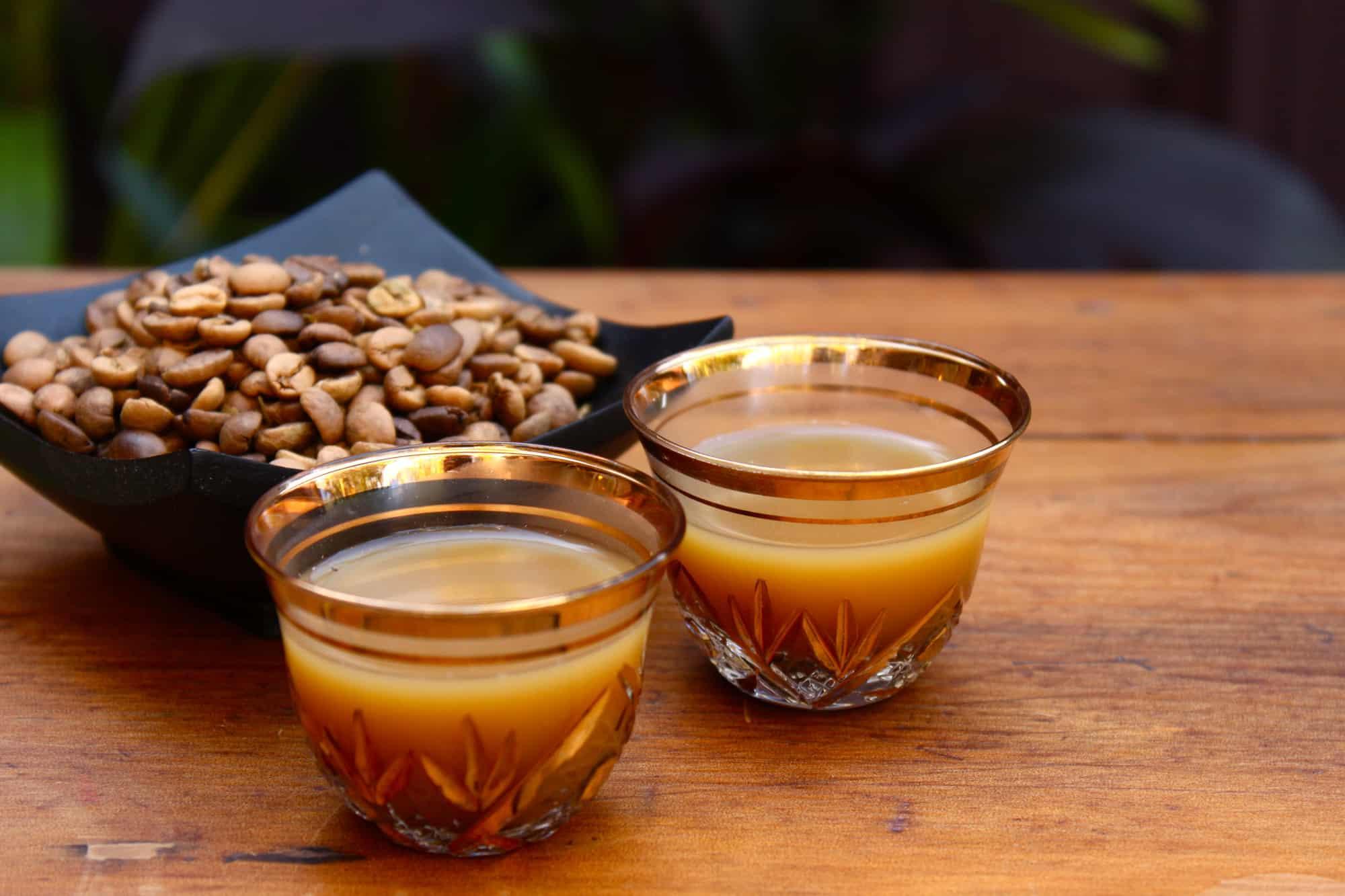 القهوة العربية - كرم الضيافة وتجسيد الأصالة التاريخية في تقاليد القهوة العربية